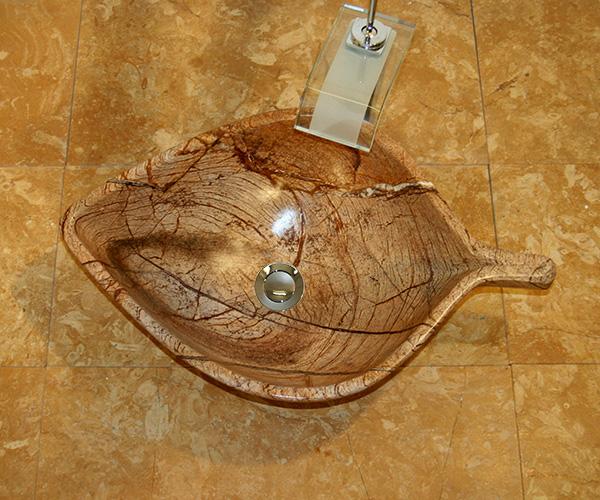 Handgearbeitete Naturstein Waschschale als Blatt